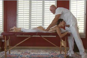 Jenni Lee - jóga utáni szexmasszázs